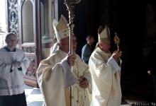 Relikwia św. Jana Pawła II wprowadzona do bazyliki św. Stefana w Budapeszcie