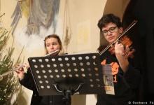 Polóniai karácsnyi daléneklés a Lengyel Templomban